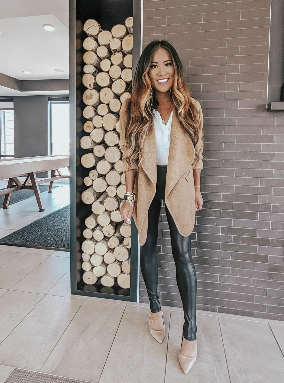 How To Style Spanx Faux Leather Leggings-6