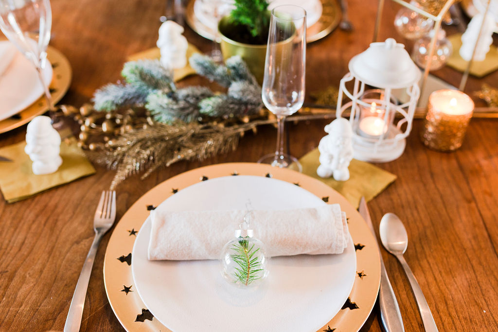 Inexpensive Christmas Tablescape-2