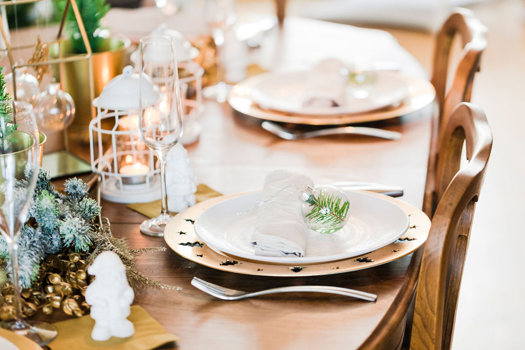 Inexpensive Christmas Tablescape-3