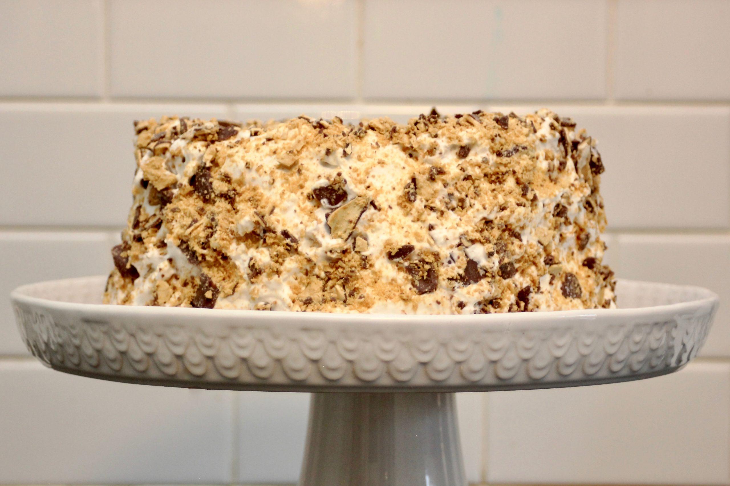 Easy Crispy Crunch Cake-1