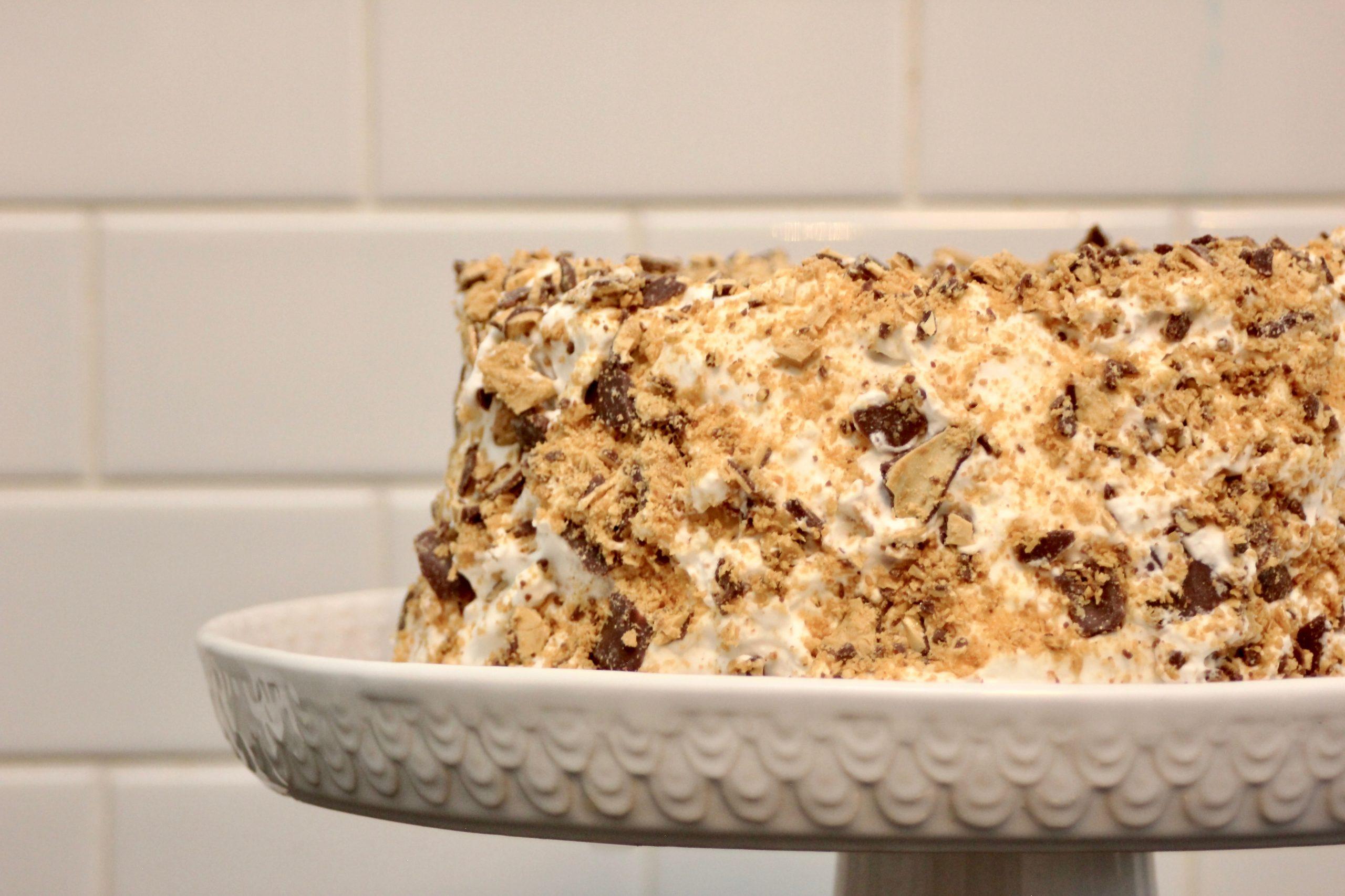 Easy Crispy Crunch Cake-9