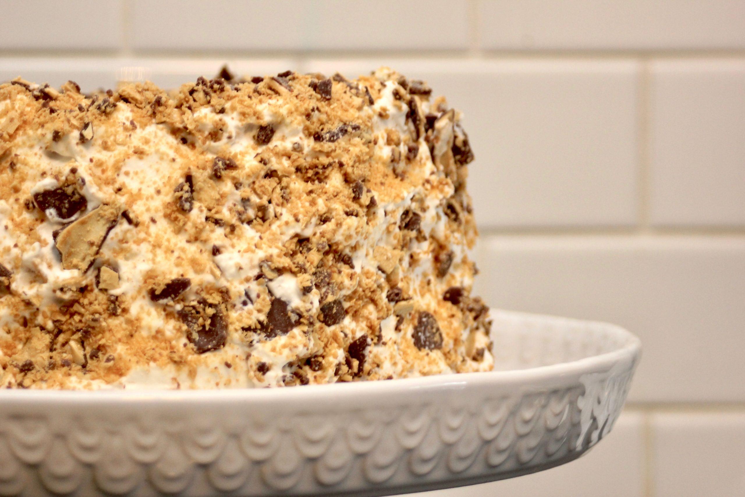 Easy Crispy Crunch Cake-8