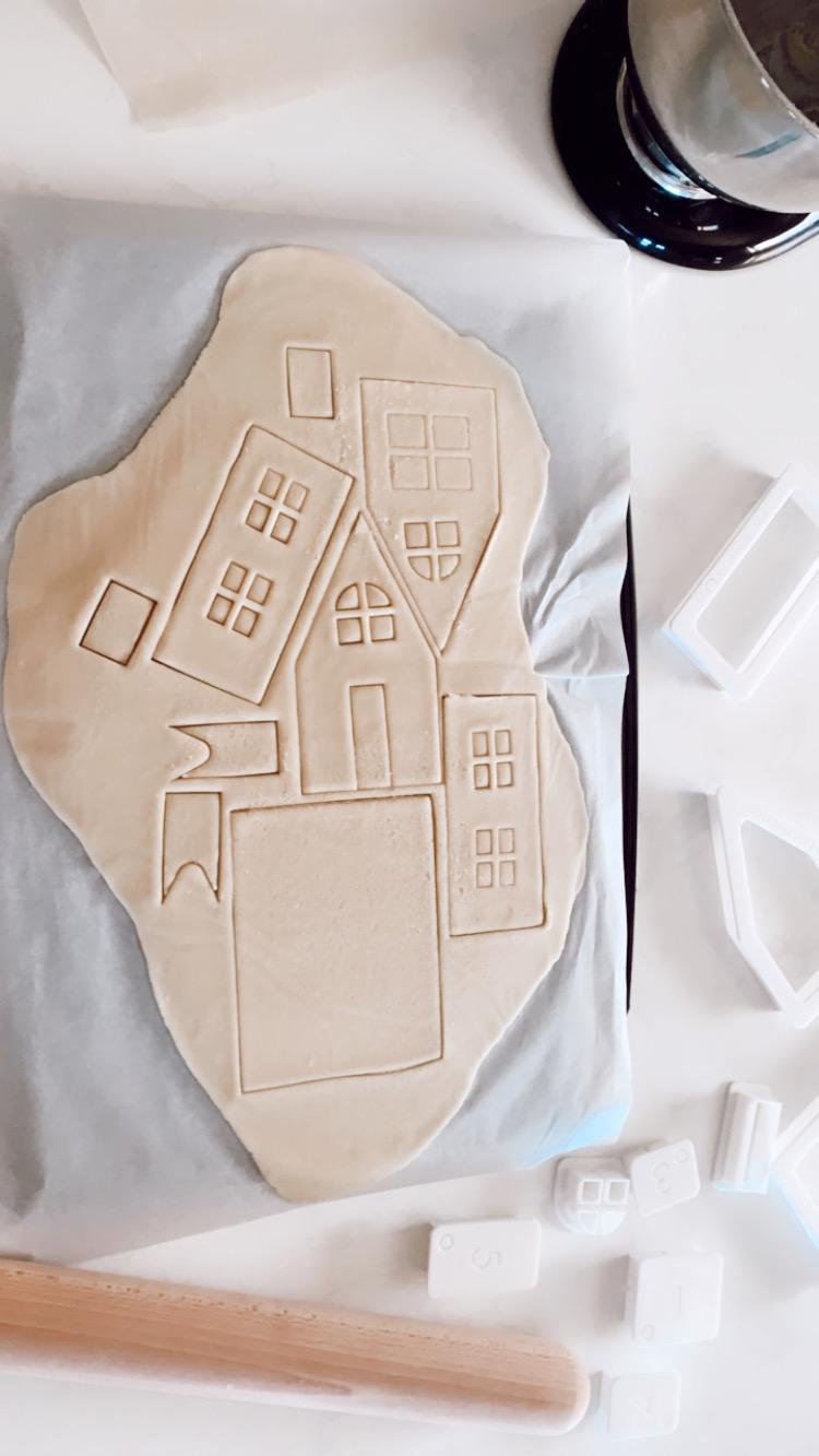 sugar cookie house DIY-5