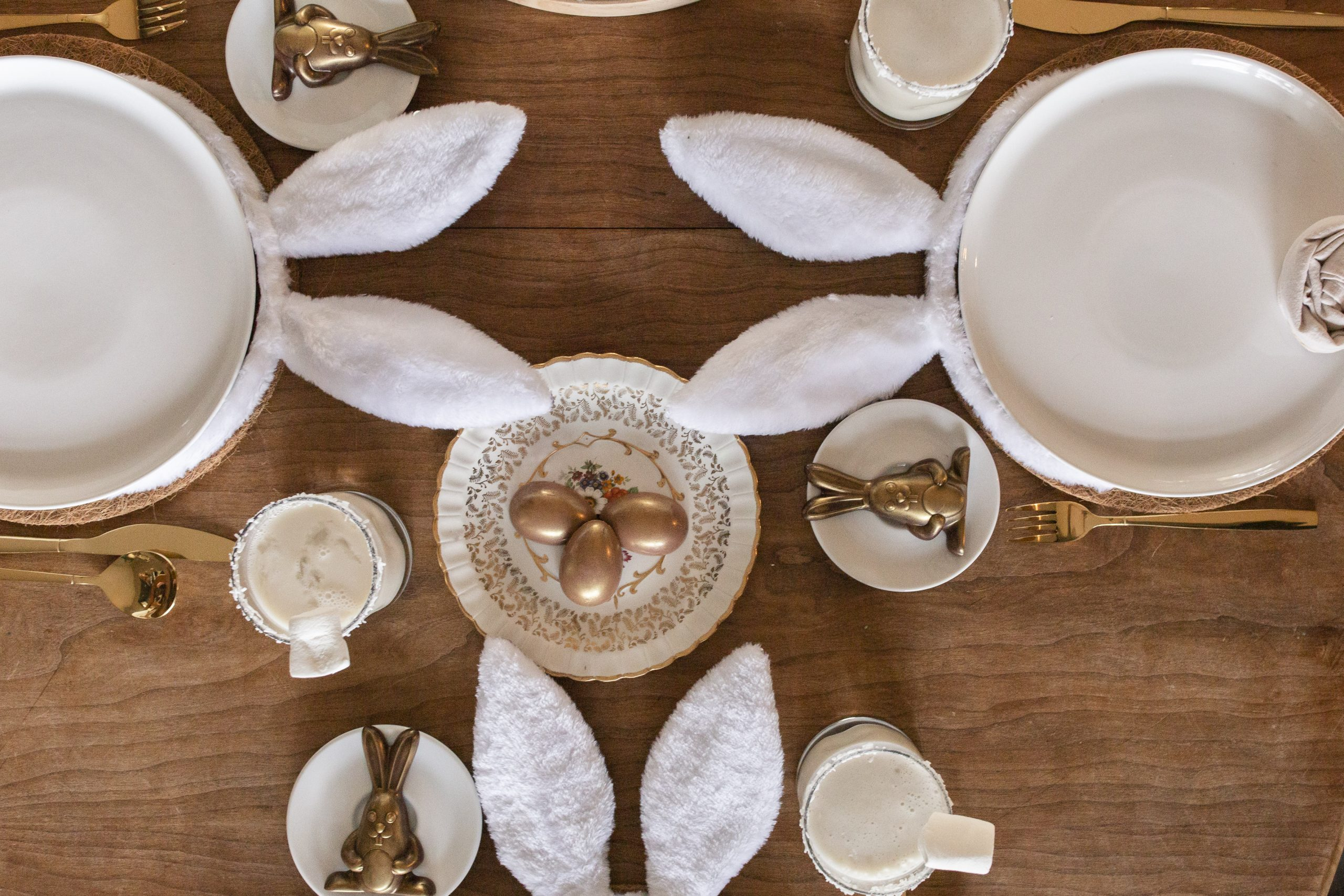 easy cottontail Easter tablescape-1