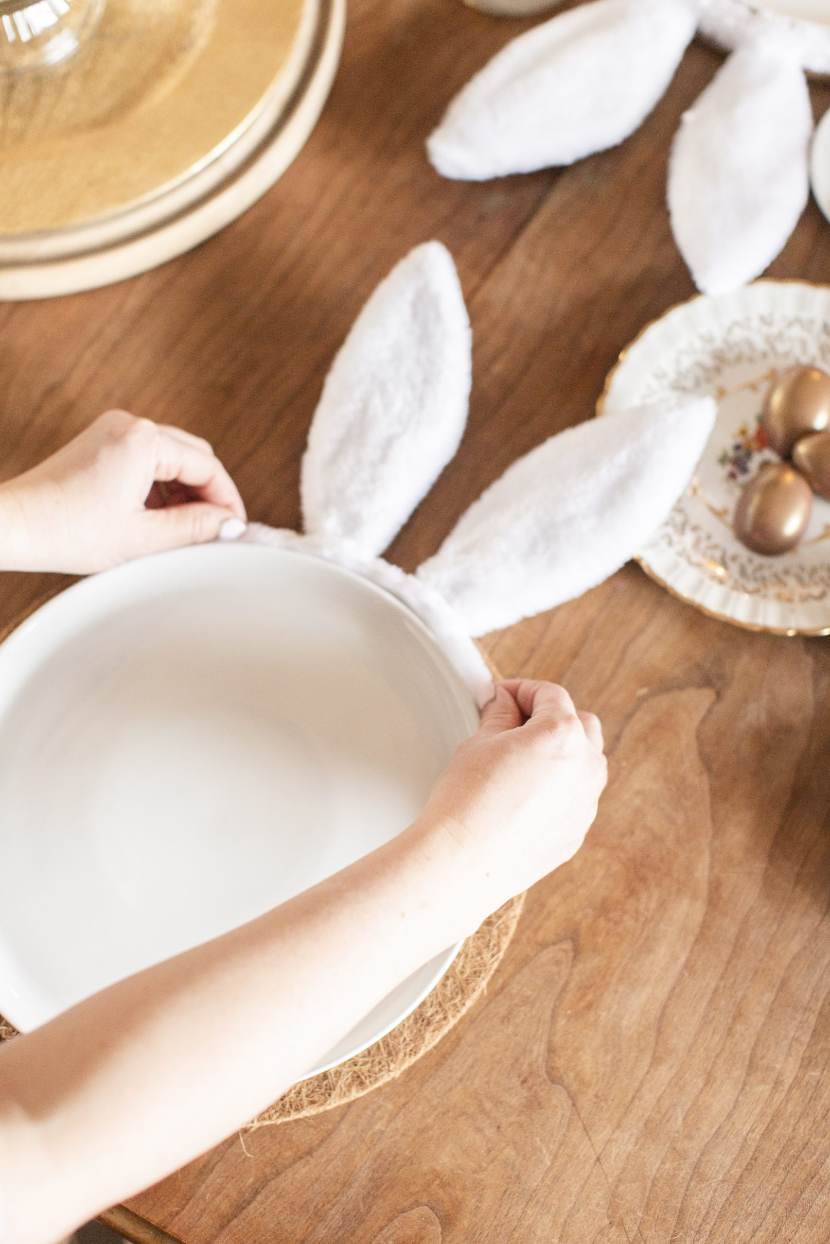 easy cottontail Easter tablescape-5