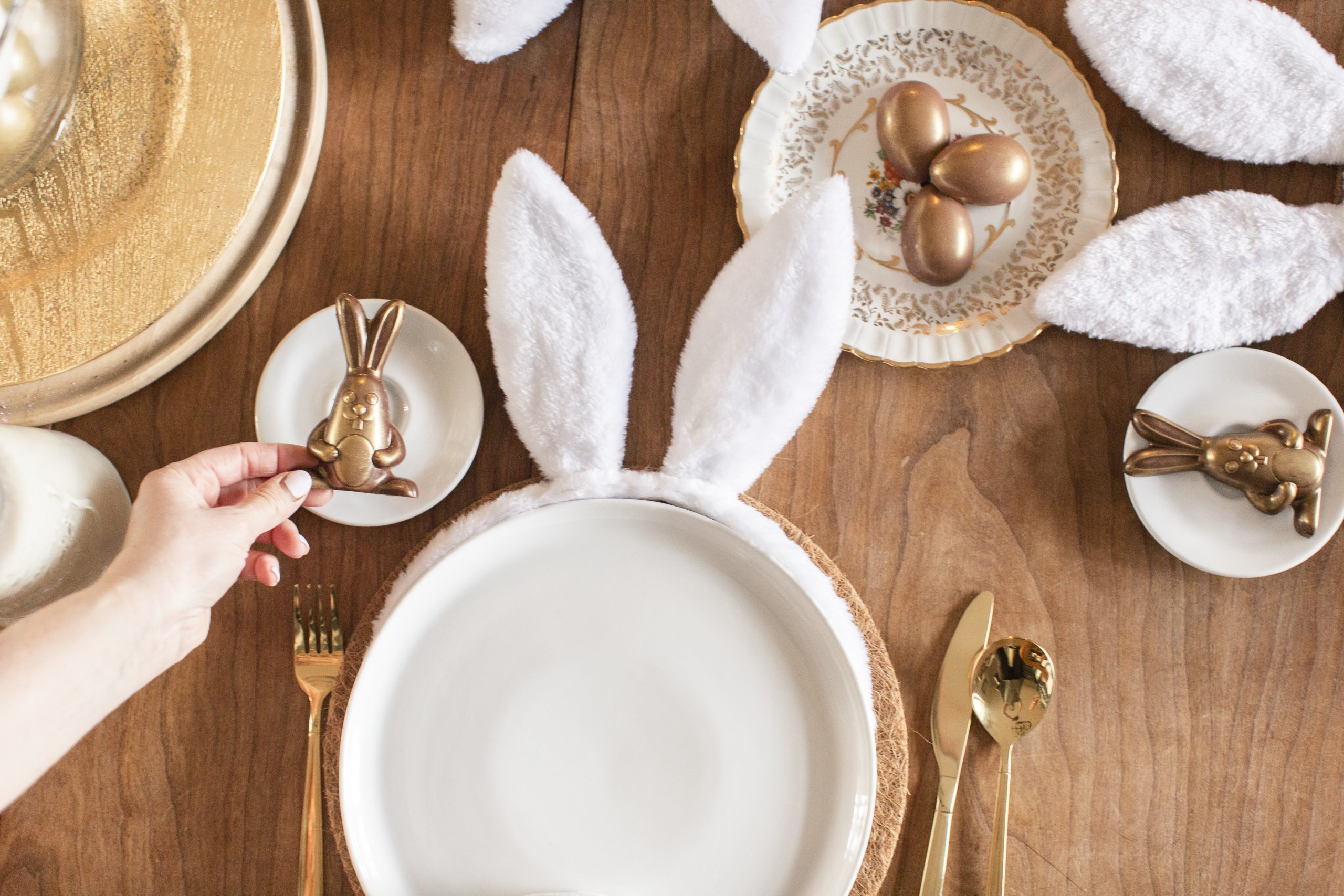 easy cottontail Easter tablescape-7