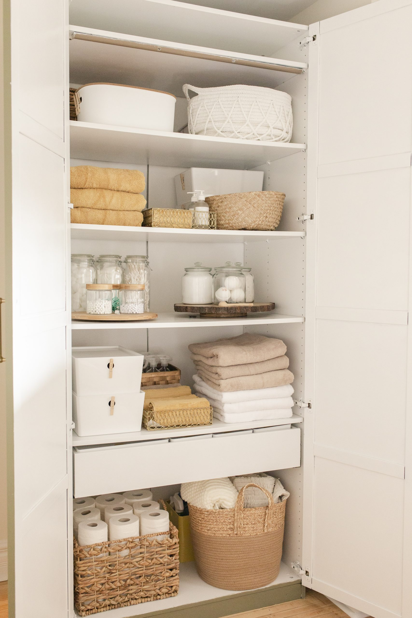 Ikea Hack: Wardrobe Turned Linen Closet